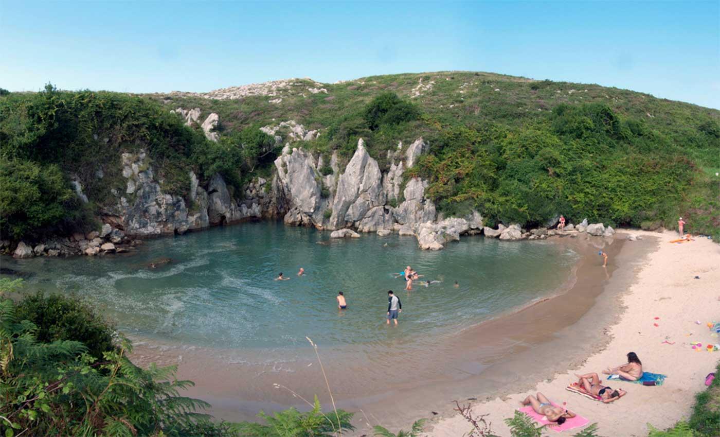 Gulpiyuri, una playa de espaldas al mar