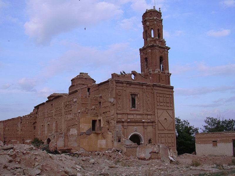 Viajesinusuales_Belchite_Iglesia_de_San_Agustín
