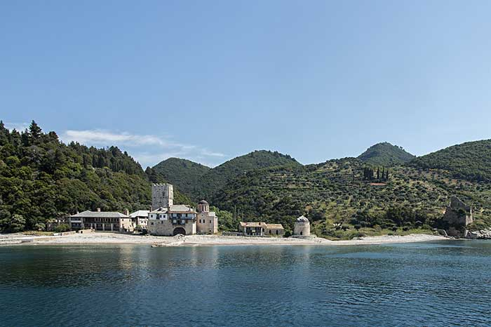 monte-athos-viajes_inusuales_monasterio_3