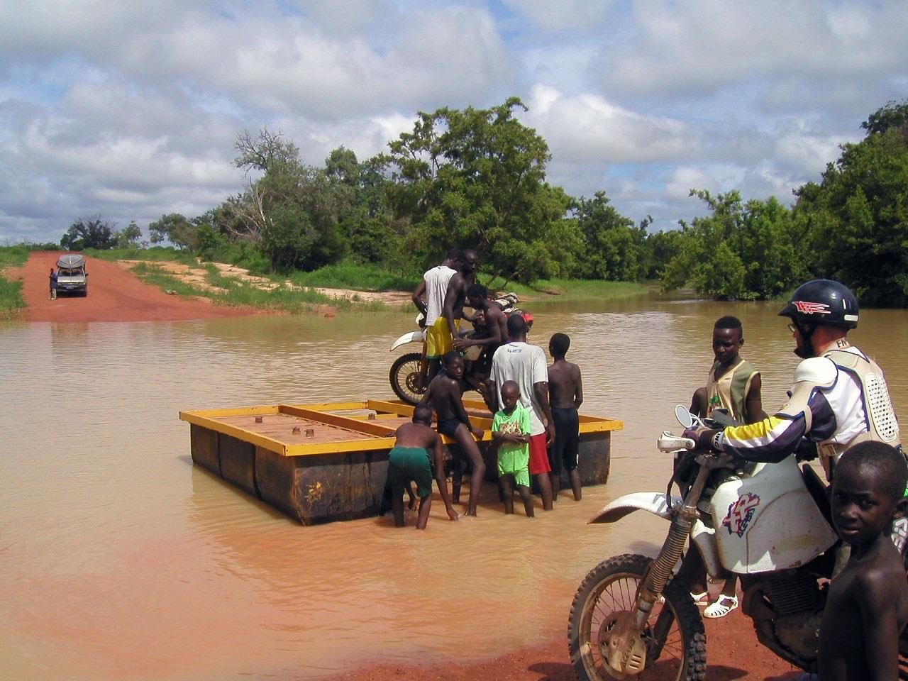 Día 22, algo más que barro por las pistas de Senegal
