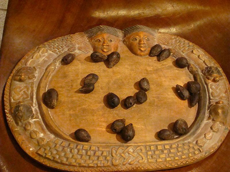 Juego de mesa de Ikin Orossi